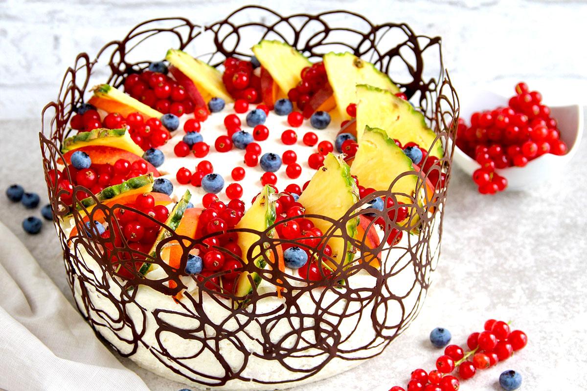 Joghurtsahne Torte mit Früchten